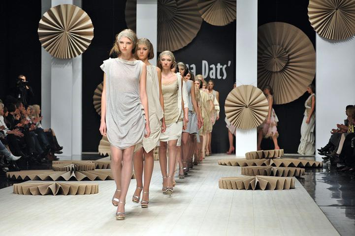 обсудить топ модели переодеваются онлайн как сделать