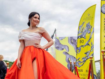 Людмила Барбир в платье Frolov