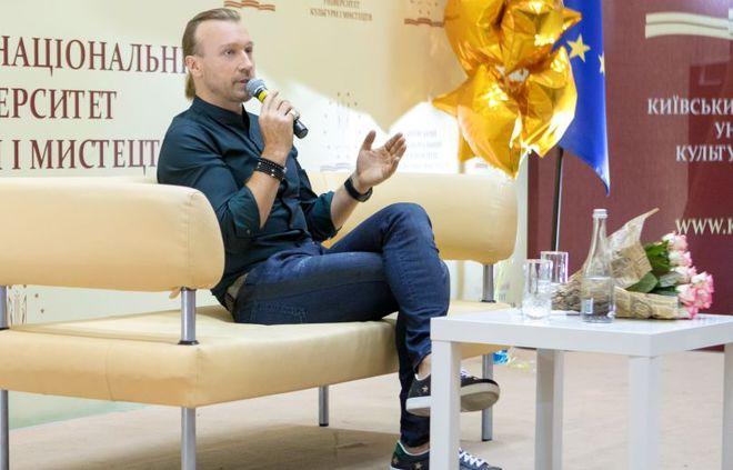 Олег Винник викладач