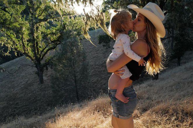 Кетрін з дочкою