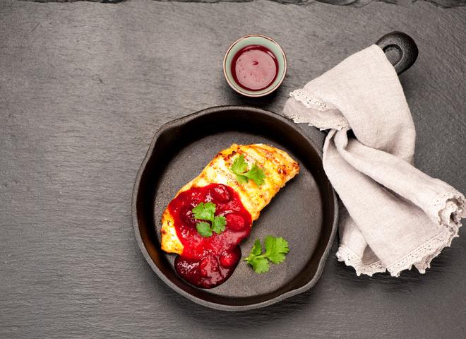 Как приготовить клубничный соус к мясу