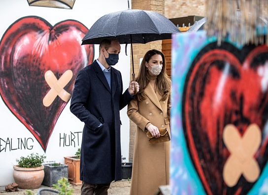Герцогиня Кембриджська та принц Вільям в центрі швидкої допомоги