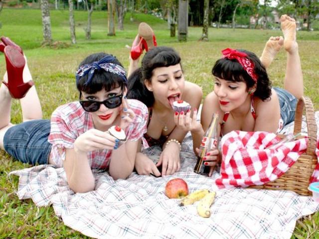 Русские девушки на природе устроили оргии 133