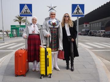 Вєрка Сердючка з мамою та Вірою Брежнєвою