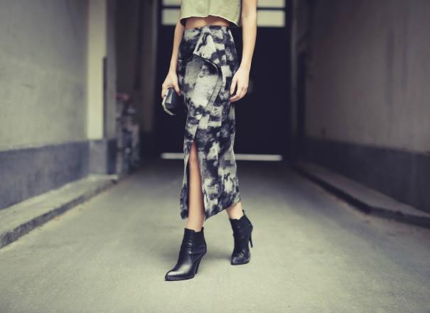 Жіноча мода 2016: спідниці з розрізом (street style)