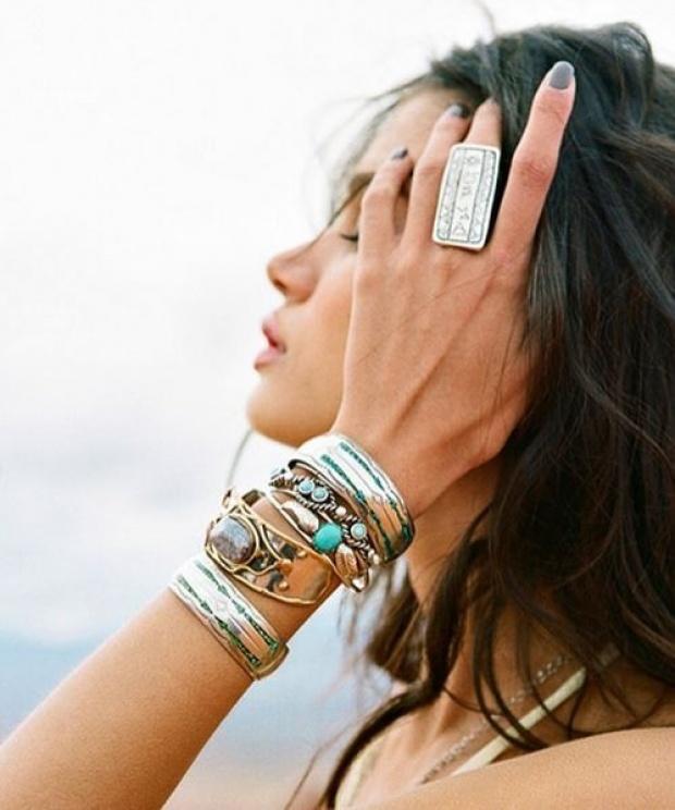 Модные украшения лета: кольца и браслеты