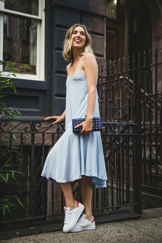 З чим носити кеди та кросівки: образи street style