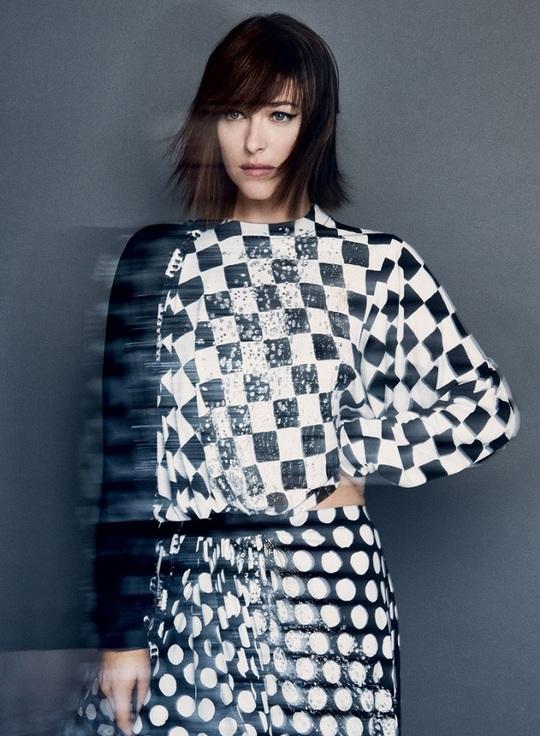 Дакота Джонсон снялась для обложки Vogue