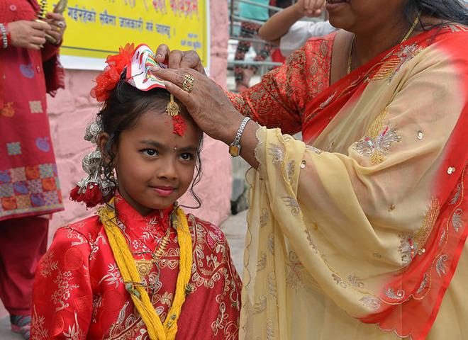 Странные традиции со всего мира: невеста дерева