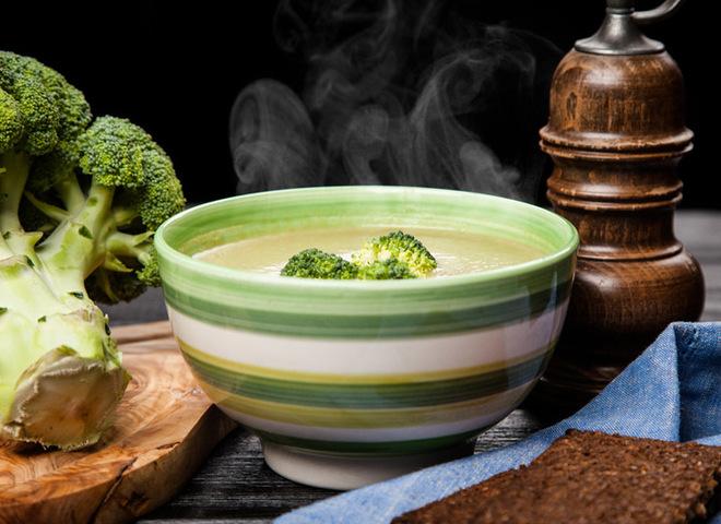 Суп из брокколи: рецепт с грибами (видео)