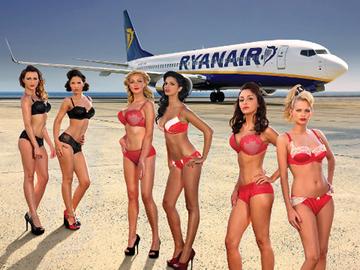 Самые сексуальные стюардессы: Ryanair