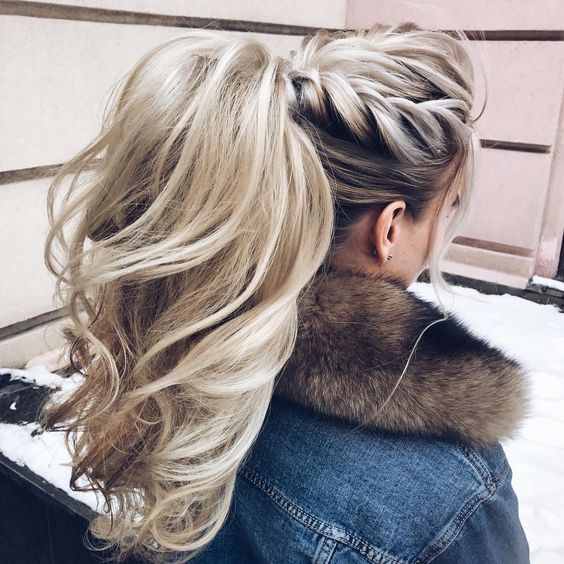 Зачіска на осінь: високий хвіст