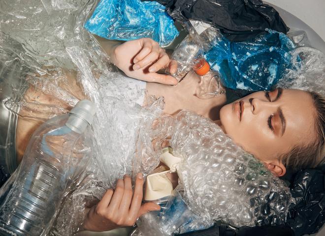 Чем вреден пластик и как его перерабатывать