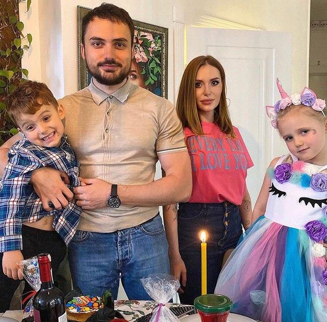Слава і Едгар Камінські з дітьми