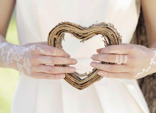 Весільні флеш-татуювання - новий аксесуар для наречених