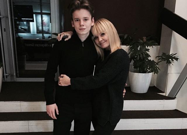 Валерия с Анной Шульгиной на отдыхе
