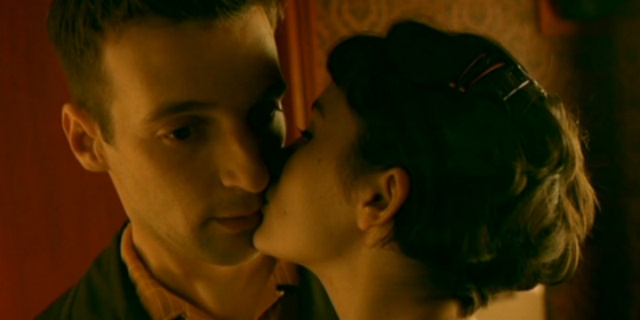 ТОП-10 найромантичніших поцілунків у кіно