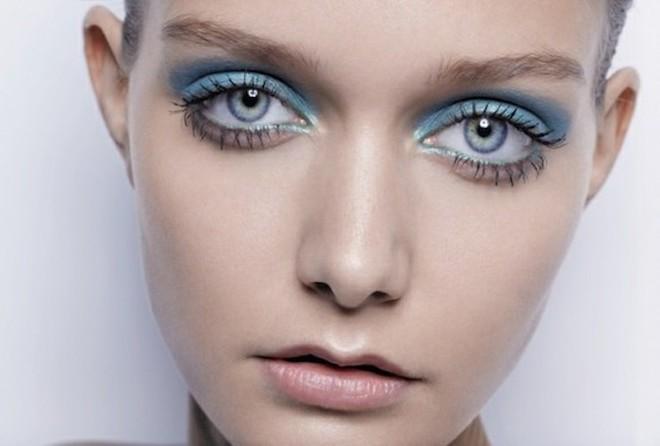Як наносити макіяж в кольорах Pantone 2016