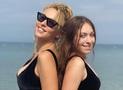 Оля Полякова і Маша Полякова