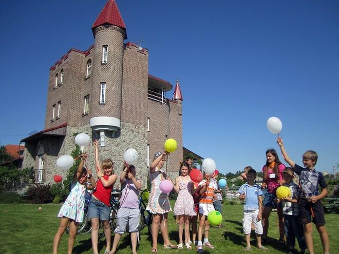Літній табір для дітей 2016: Magic Castle