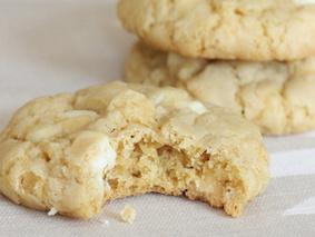 Печенье с белым шоколадом и орехами
