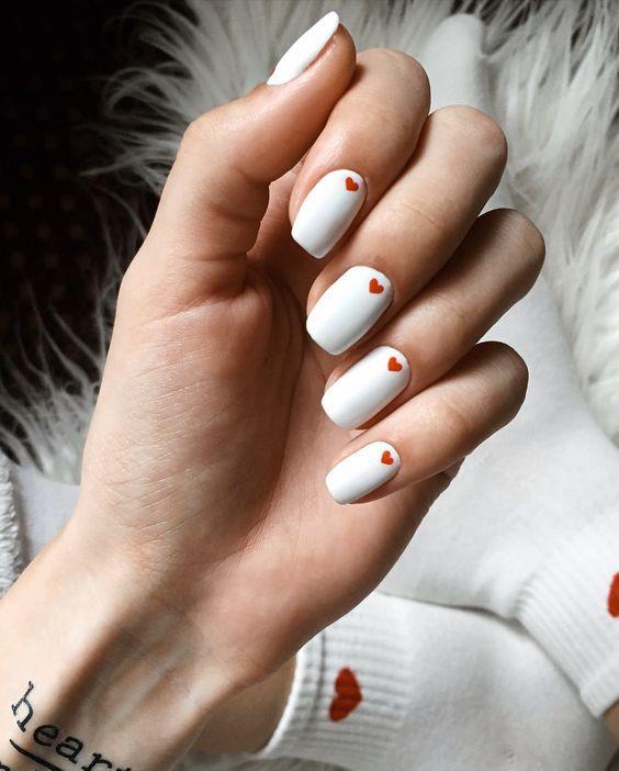 Білий манікюр на літо 2021 на різну форму нігтів