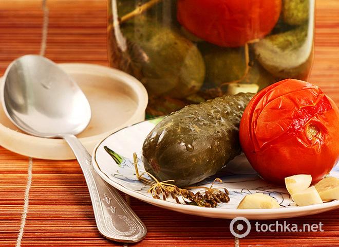 Ассорти из помидор и огурцов на зиму: вкусная закатка
