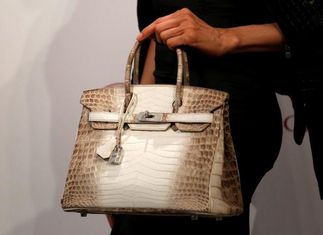 c3dd77ff62ba Побит рекорд: за сколько продана самая дорогая сумка в мире ...