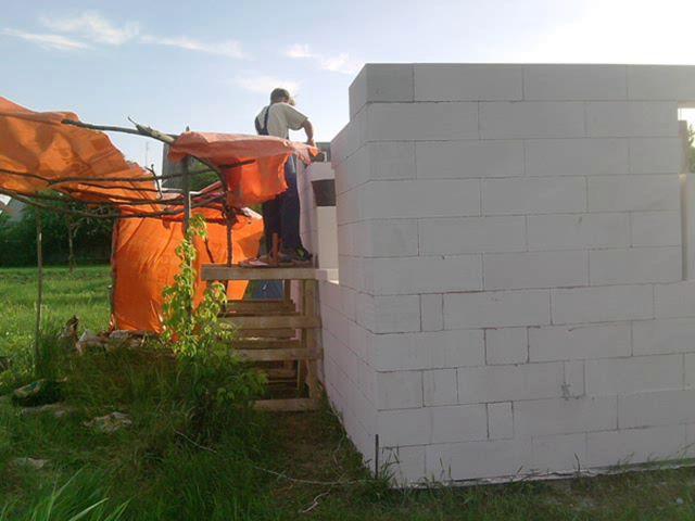 Строим своими руками дом с газобетона