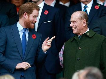 Принц Гаррі та принц Філіп