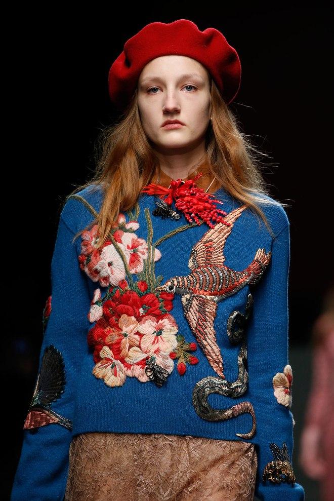Бьюти-образ моделей с показа Gucci Осень 2015