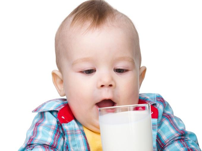 чи можна дитині молоко