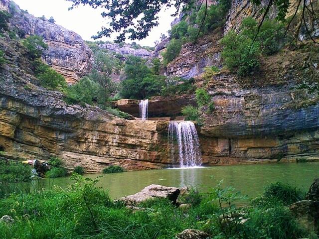Мішура водоспади