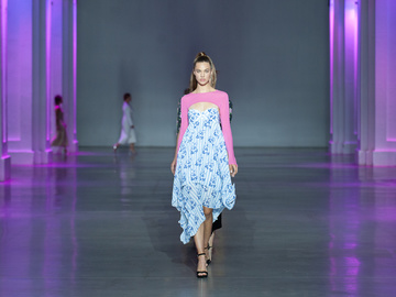 Показ Darja Donezz: UFW noseason sept 2021 на Ukrainian Fashion Week noseason sept 2021