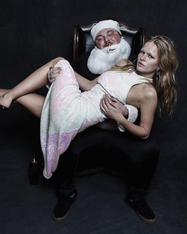 Рождество по-взрослому: плохой Санта в рекламе Alexander Wang