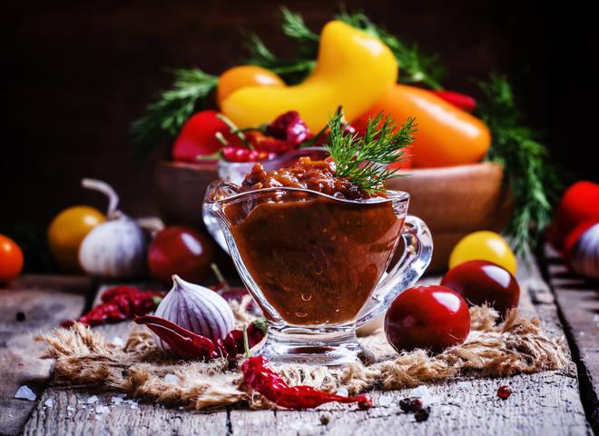 Как варить аджику: простые и быстрые рецепты