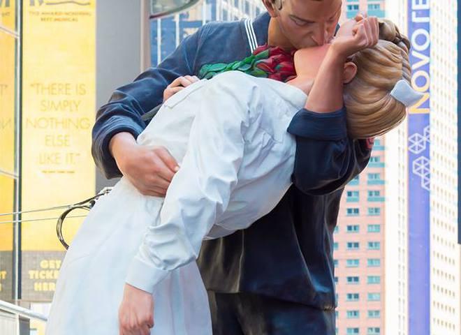 KISS-IN на Таймс-сквер 2015