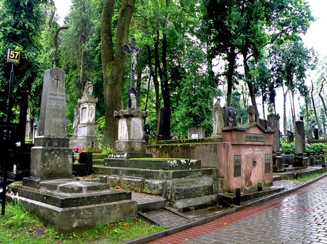 Що подивитися у Львові: Личаківський цвинтар