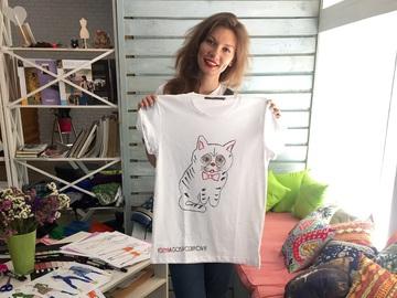 Украинские дизайнеры выпустили футболки в поддержку бездомных котов: Ксения Господинова