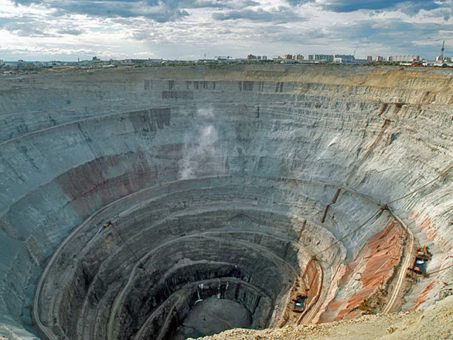 Алмазный карьер России
