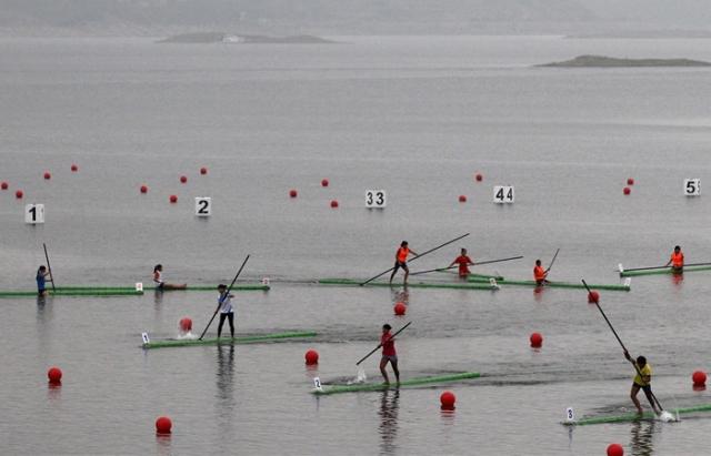 Шокирующие спортивные соревнования: гонки на бамбуке