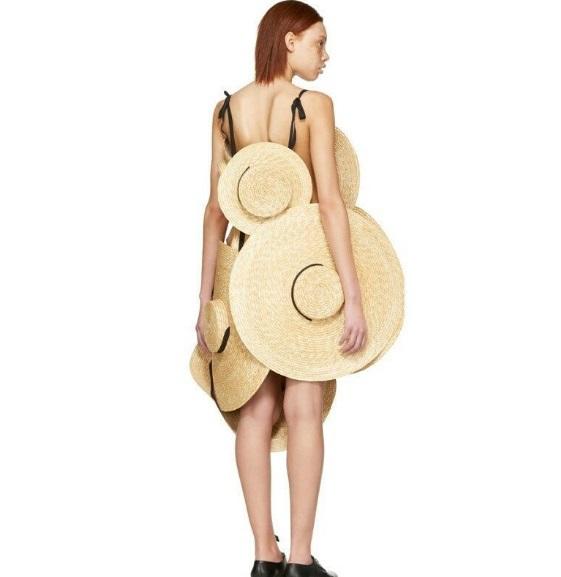 Платье из шляп