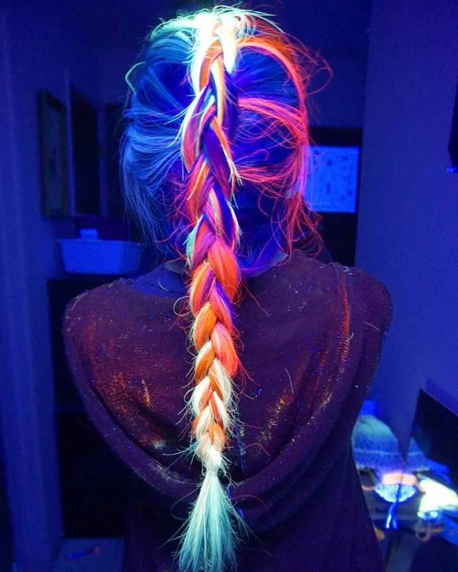 Волосы, которые светятся в темноте
