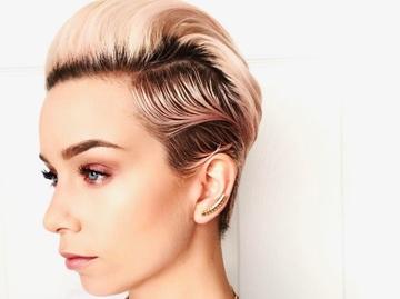 Зачіски на коротке волосся