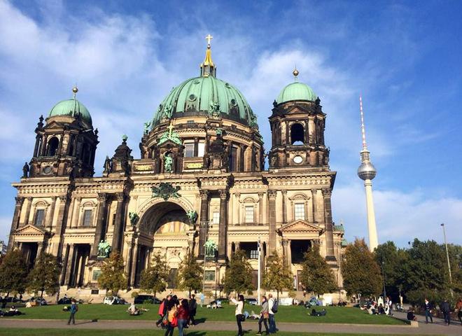 Путешествие по Берлину на автомобиле