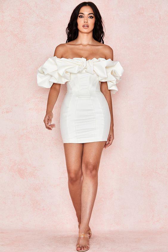 Платья, которые увеличивают грудь