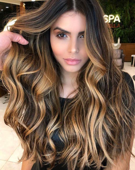 7 оттенков волос, которые молодят