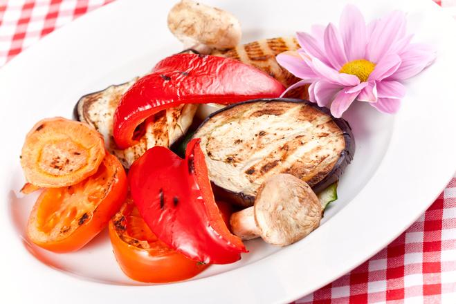 Запечь овощи в духовке