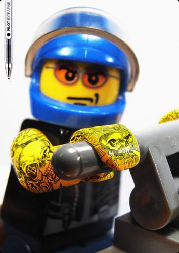 ЛЕГОман тату (Legoman Tattoo)