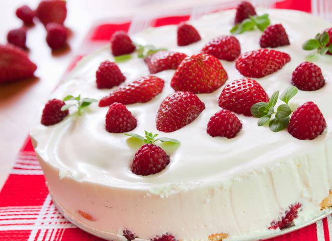 Блюда из клубники и творога: 2 великолепных рецепта